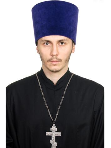 Священник Роман Майсурадзе