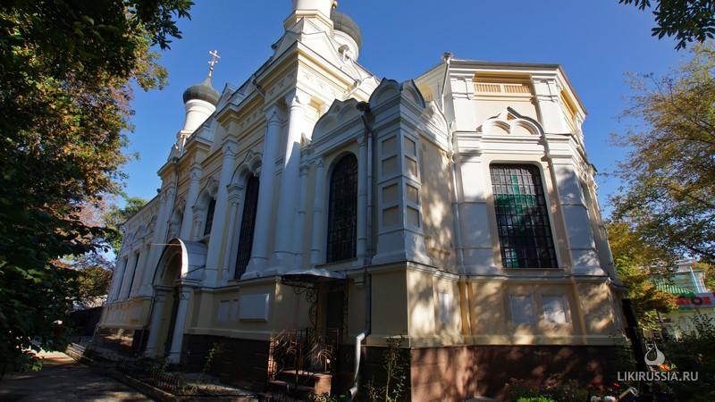 Храм Трех Святитетелей (Симферополь. Крым)